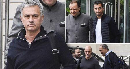 Jose Mourinho ra mat Ban huan luyen moi o Man United - Anh 1