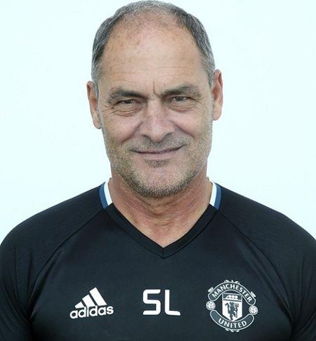 Jose Mourinho ra mat Ban huan luyen moi o Man United - Anh 3