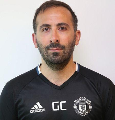 Jose Mourinho ra mat Ban huan luyen moi o Man United - Anh 7