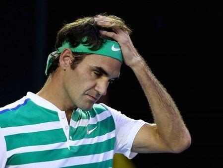 Federer lot vao ban ket Wimbledon: Gung cang gia cang cay - Anh 2