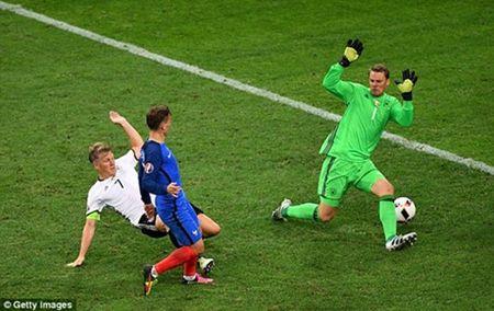 Griezmann = Ronaldo + Bale: Nga mu truoc 'Hoang tu nho' - Anh 4