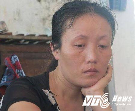 Bao ve chan xe cuu thuong: Benh vien ve nha rieng benh nhi xin loi - Anh 1