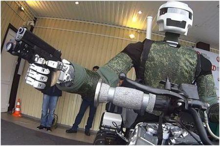 Nhung robot chuan bi cho cuoc dau voi My - Anh 2