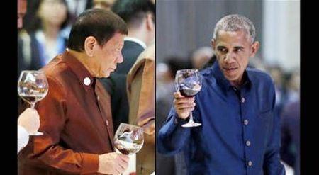 2 phut Tong thong Philippines chuoc loi thoa ma Obama - Anh 1