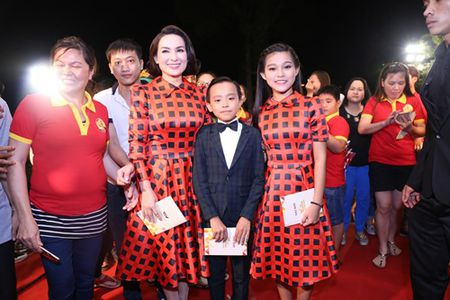 Canh tuong 'trai ngang' cua Son Tung va Ho Van Cuong - Anh 5