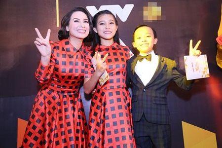 Canh tuong 'trai ngang' cua Son Tung va Ho Van Cuong - Anh 6