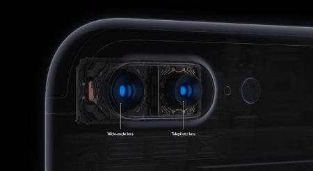 Kham pha iPhone 7 Plus: Camera kep, chong nuoc, gia tot - Anh 1