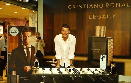 Ronaldo xac nhan ngay 'tai xuat' - Anh 1