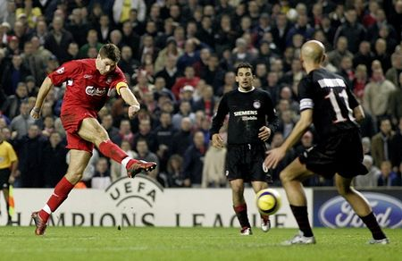Steven Gerrard tiet lo than tuong thuo au tho - Anh 1