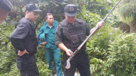Can canh khu vuc nghi pham tham sat o Lao Cai lan tron - Anh 8