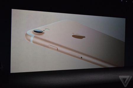 iPhone 7/ 7 Plus chinh thuc trinh lang - Anh 2