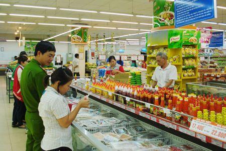 Xu phat hon 22 ty dong 4.100 co so vi pham an toan thuc pham - Anh 1