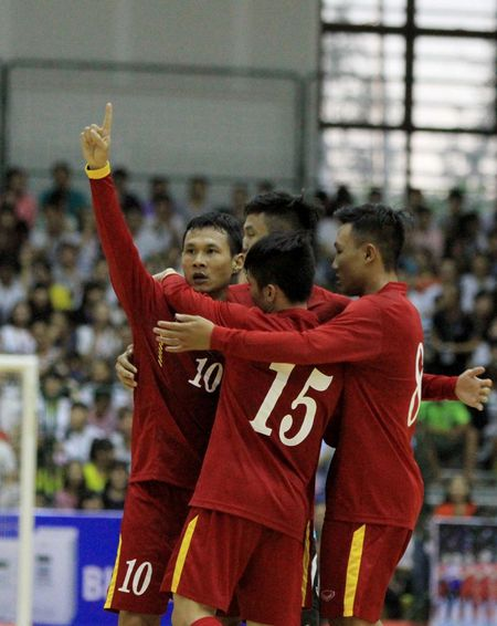 'Futsal Viet Nam co co hoi vuot qua vong bang World Cup' - Anh 2