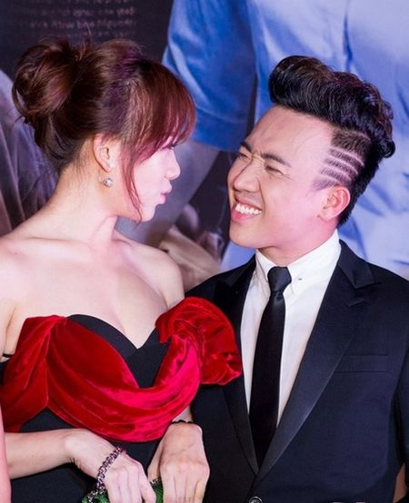 Tran Thanh nhai giong lo lo cua Hari Won tren song truc tiep - Anh 1