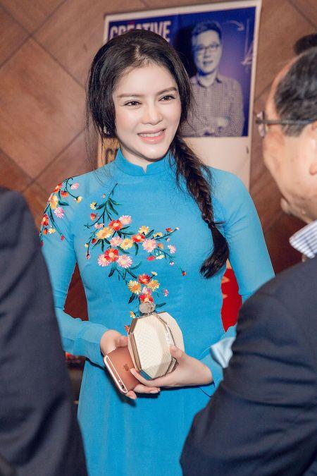 Ly Nha Ky mac ao dai xanh, dep nen na khi gap Tong thong Phap - Anh 4