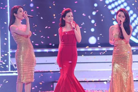Duong Hoang Yen long lay voi sac do tai VTV Awards - Anh 7