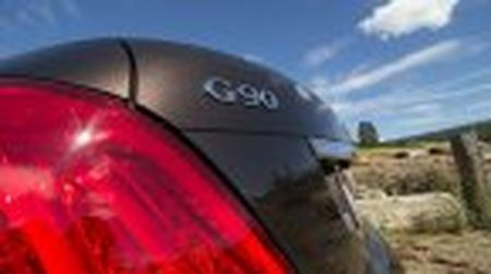 Genesis G90 co gia khoi diem tai My tu 69.050$, tuy chon AWD them 2.500$ - Anh 17