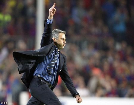 Lich su khong dung ve Mourinho truoc tran derby - Anh 4