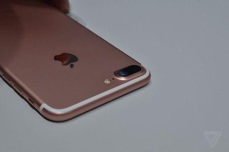 Anh va video thuc te ve bo doi iPhone 7/7 Plus - Anh 2