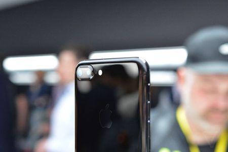 Anh va video thuc te ve bo doi iPhone 7/7 Plus - Anh 6