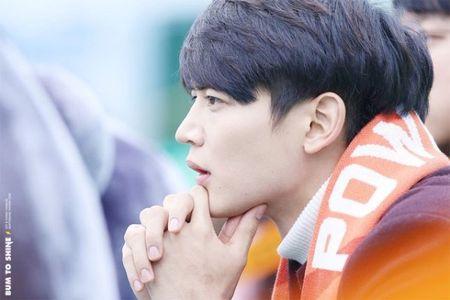 8 my nam Kpop so huu goc mat nghieng dep 'quen sau' - Anh 5