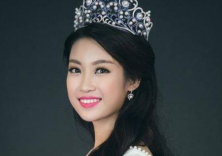 Hoa hau Do My Linh mo lai facebook nhung 'xoa sach' thong tin cu - Anh 1
