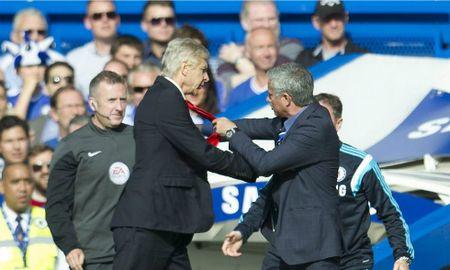 Mourinho muoi mat vi bi Wenger 'duoi kheo' - Anh 1