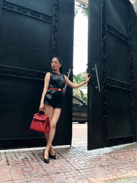 Le Quyen choi hang hieu kin tieng nhung cuc khung - Anh 12