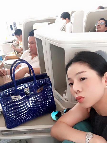 Le Quyen choi hang hieu kin tieng nhung cuc khung - Anh 2