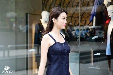 Hinh anh HH My Linh bit khau trang di mua do hot nhat MXH hom nay - Anh 4
