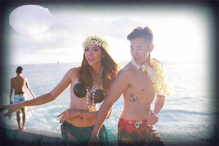 """Gai mot con Ngoc Quyen khoe ve goi cam """"chet nguoi"""" tren dao Hawaii - Anh 1"""