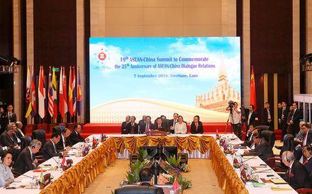 ASEAN va Trung Quoc dat thoa thuan tranh va cham bat ngo - Anh 1