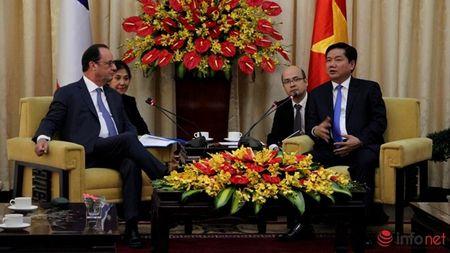 Ong Dinh La Thang de nghi gi khi gap Tong thong Phap? - Anh 1