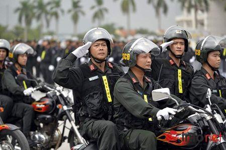CSCD Ha Noi pho dien luc luong, xe chien dau hien dai - Anh 11