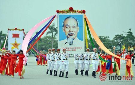 CSCD Ha Noi pho dien luc luong, xe chien dau hien dai - Anh 1