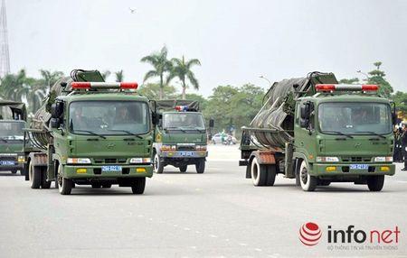 CSCD Ha Noi pho dien luc luong, xe chien dau hien dai - Anh 5