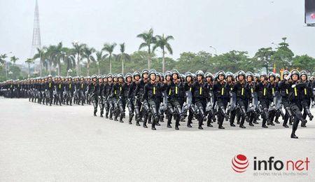 CSCD Ha Noi pho dien luc luong, xe chien dau hien dai - Anh 8