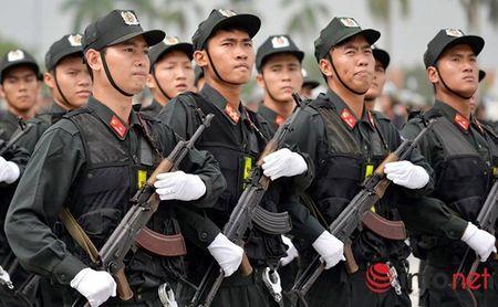 CSCD Ha Noi pho dien luc luong, xe chien dau hien dai - Anh 9
