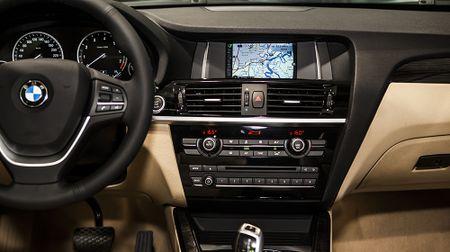 BMW X3 phien ban 100 nam, gia 2,369 ty dong tai Viet Nam - Anh 6