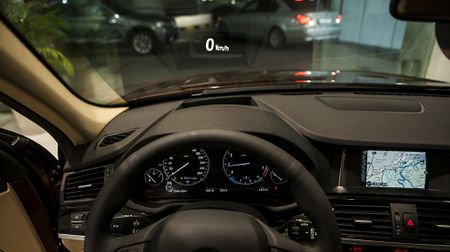 BMW X3 phien ban 100 nam, gia 2,369 ty dong tai Viet Nam - Anh 7