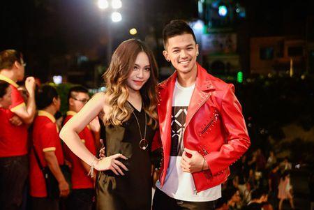 """Nha Phuong, Tran Thanh """"le bong"""" tren tham do VTV Awards - Anh 12"""