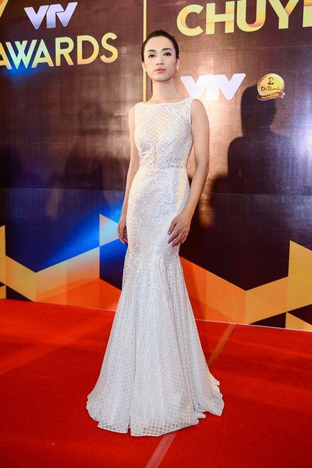 """Nha Phuong, Tran Thanh """"le bong"""" tren tham do VTV Awards - Anh 13"""