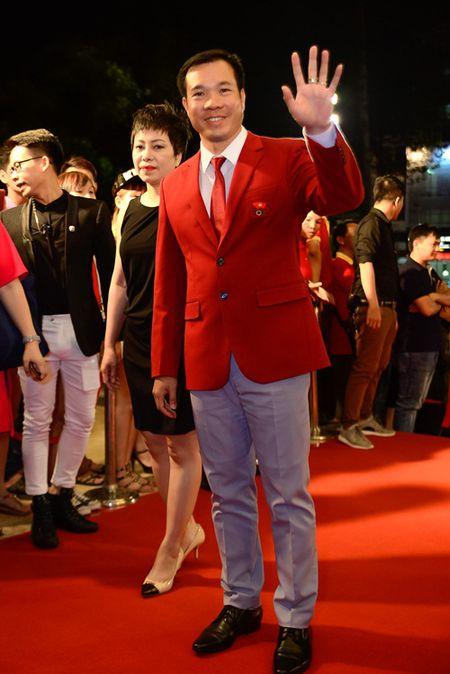 """Nha Phuong, Tran Thanh """"le bong"""" tren tham do VTV Awards - Anh 16"""