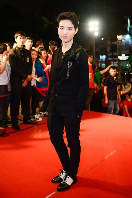 """Nha Phuong, Tran Thanh """"le bong"""" tren tham do VTV Awards - Anh 9"""