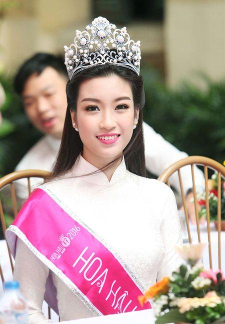 Su that viec Hoa hau My Linh vang tuc, chui ban trai nam lop 11 - Anh 4