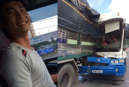 Tai xe xe tai cuu xe khach mat phanh duoc dan mang lam tho ca ngoi - Anh 1