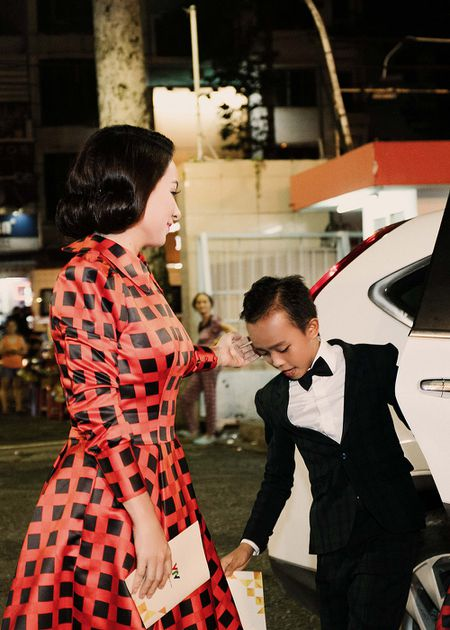 Phi Nhung xuc dong khi Ho Van Cuong doat giai VTV - Anh 2