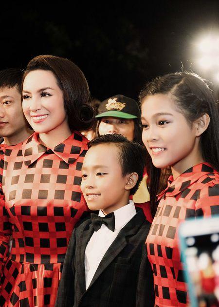 Phi Nhung xuc dong khi Ho Van Cuong doat giai VTV - Anh 3