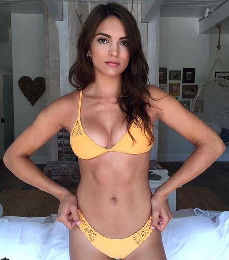 Co gai mac bikini dep duoc yeu thich nhat tren Instagram - Anh 1