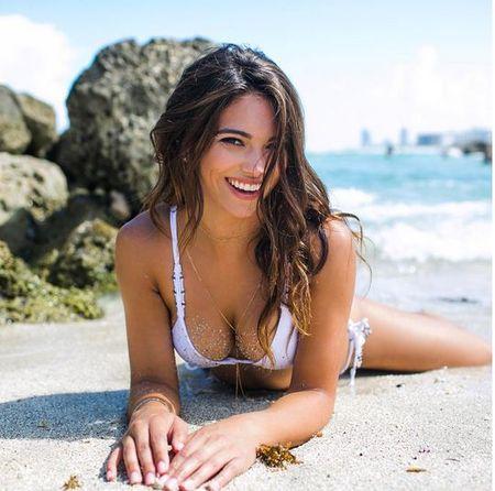 Co gai mac bikini dep duoc yeu thich nhat tren Instagram - Anh 8